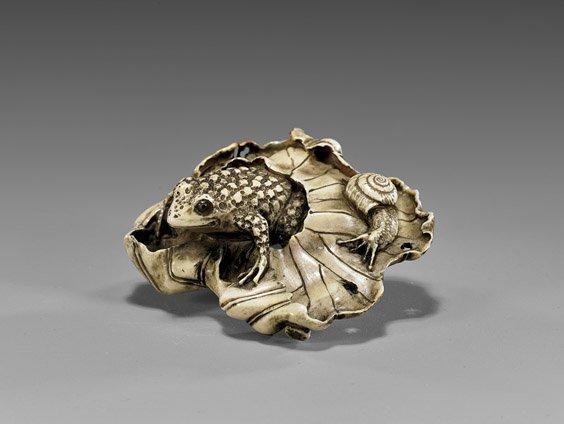 CARVED IVORY NETSUKE: Frog & Snail