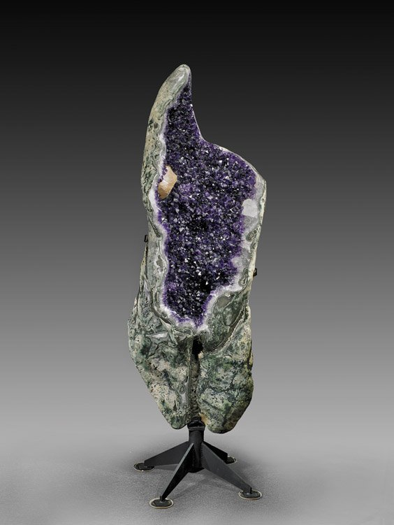 AESTHETIC AMETHYST GEODE WITH CALCITE