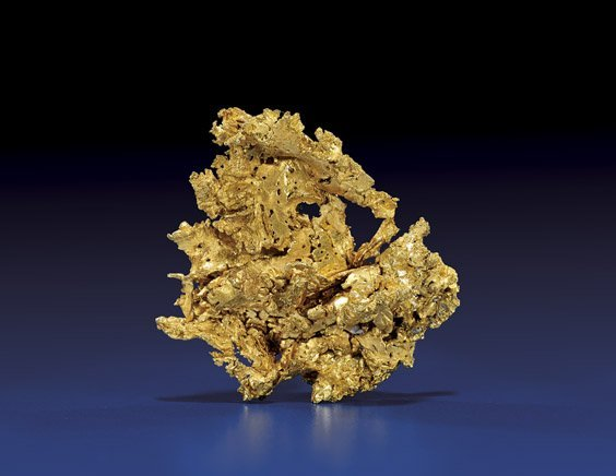 FINE AND DELICATE GOLD NUGGET WITH CRYSTALS