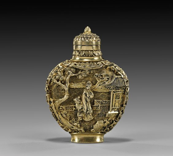IMPORTANT HIGH CARAT GOLD SNUFF BOTTLE