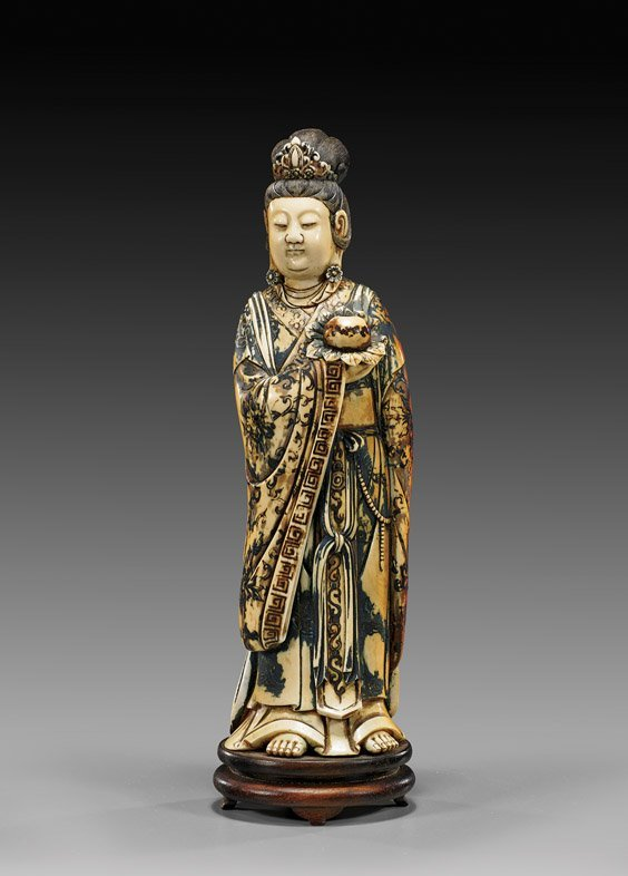 ANTIQUE MING-STYLE CARVED IVORY GUANYIN
