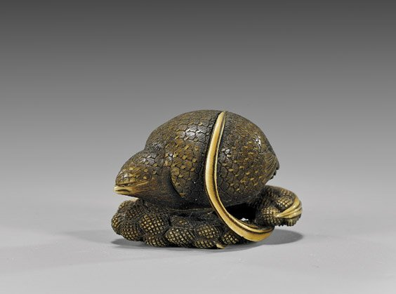 ANTIQUE LACQUERED IVORY NETSUKE: Quail