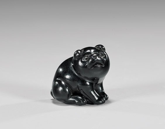 ANTIQUE CARVED WOOD NETSUKE: Puppy