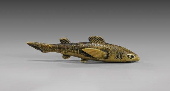 ANTIQUE CARVED IVORY NETSUKE: Fish