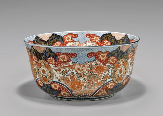 MASSIVE ANTIQUE IMARI PORCELAIN PUNCH BOWL