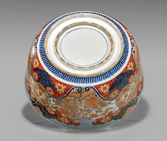 MASSIVE ANTIQUE IMARI PORCELAIN PUNCH BOWL - 3
