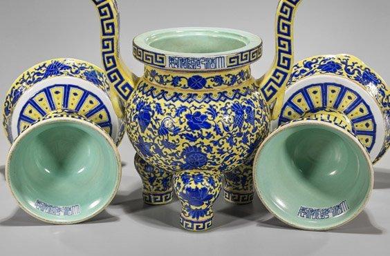 Three-Piece Chinese Porcelain Garniture Set - 2