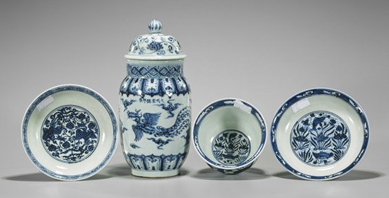 Four Xuande-Style Blue & White Porcelains - 2
