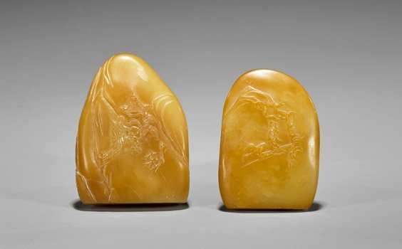 Two Carved Butterscotch Shoushan Stone Seals - 2