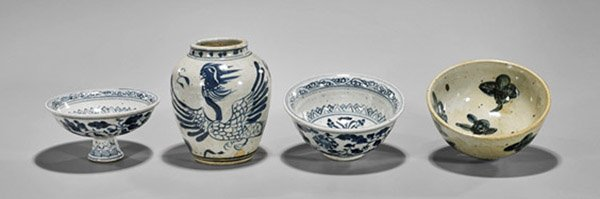 Group of Eight Chinese Porcelains