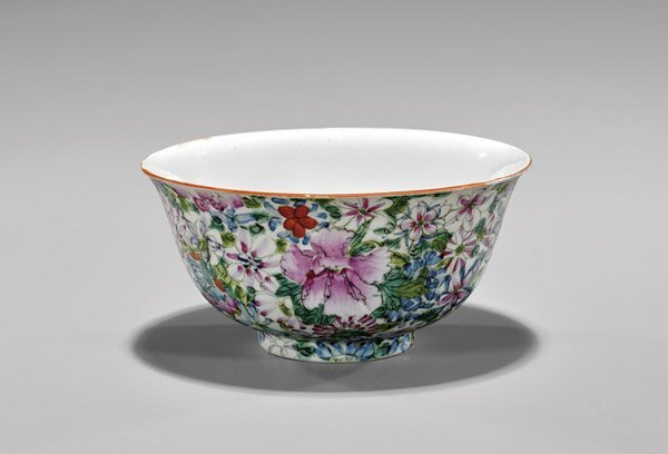 Antique Qianlong-Style Enameled Porcelain Bowl