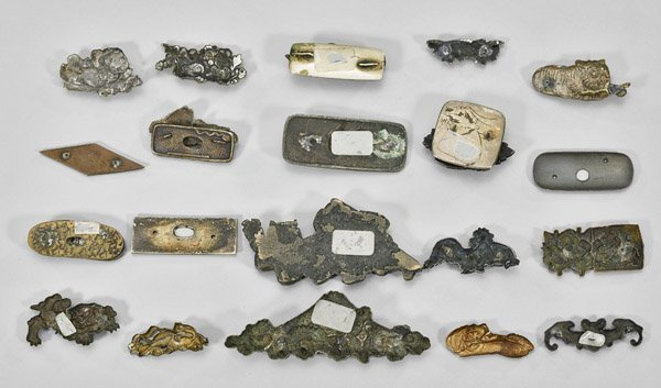 GROUP ANTIQUE JAPANESE ORNAMENTS/CLASPS - 2