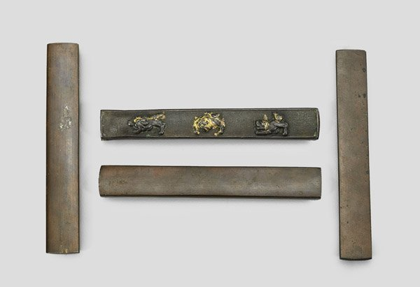FOUR ANTIQUE JAPANESE BRONZE & IRON KOZUKA - 2