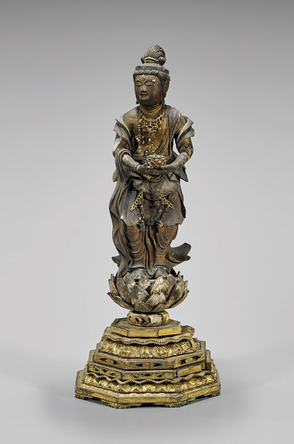 ANTIQUE JAPANESE PARCEL-GILT WOOD KANNON