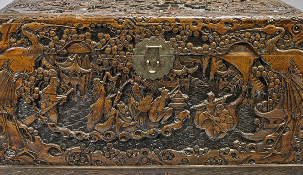 OLD CHINESE CARVED CAMPHOR WOOD CHEST - 2