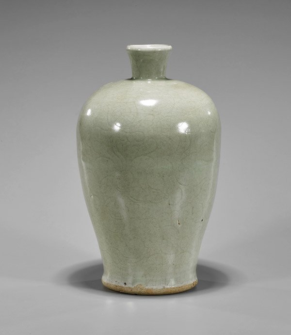 Late Ming Dynasty Celadon Meiping Vase