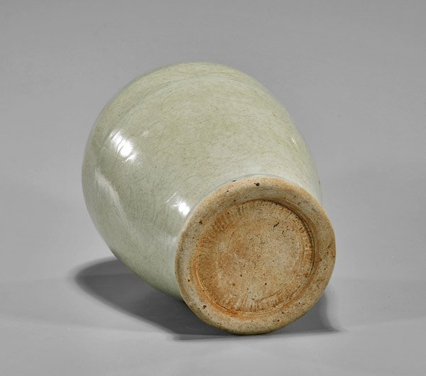 Late Ming Dynasty Celadon Meiping Vase - 2