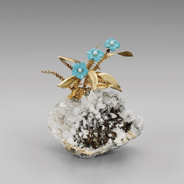 Chinese 14K Yellow Gold Flowering Plant