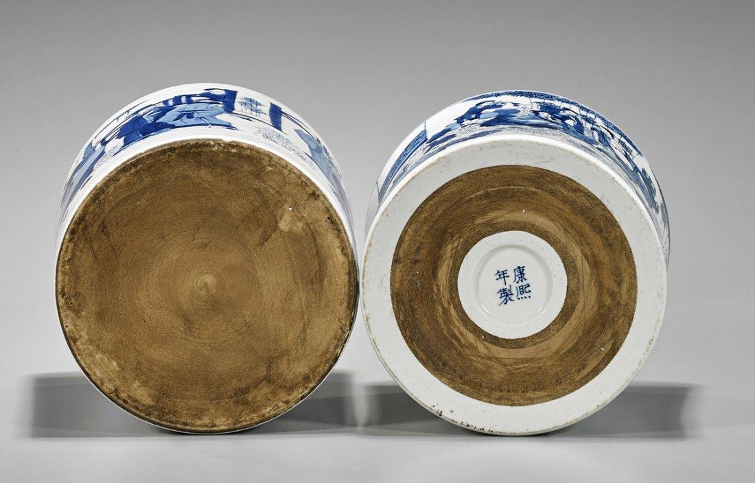 Two Chinese Kangxi-Style Porcelain Brushpots - 3