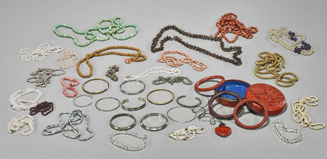 Collection of Assorted Jewelry Pieces