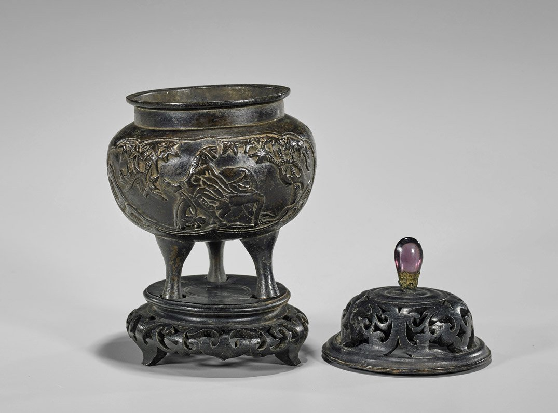 Small Antique Chinese Bronze Tripod Censer - 2