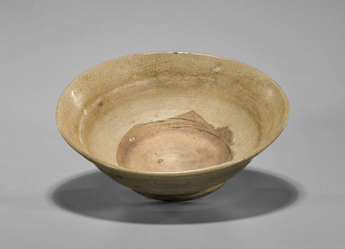 Yuan Dynasty Crackle Straw-Glazed Bowl