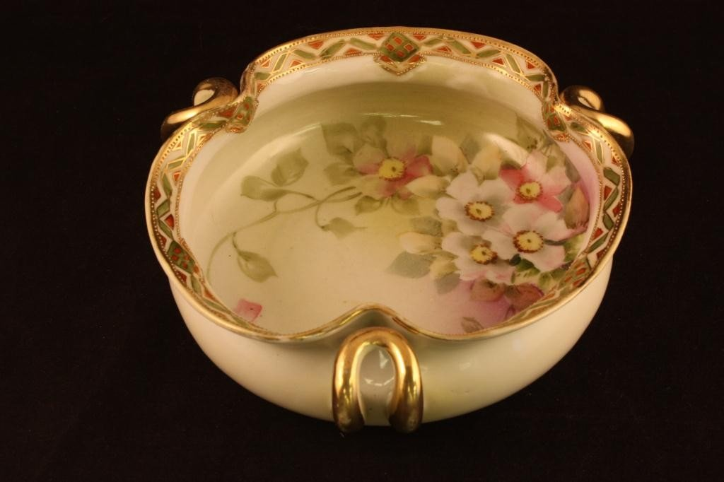 NIPPON Three-handled Bowl with Floral Design