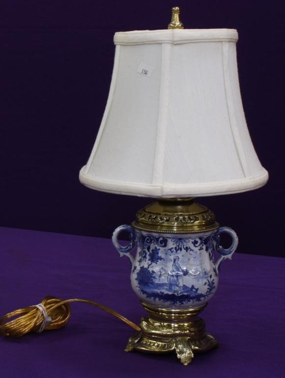 10: Delft Lamp with small Handles