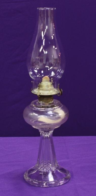 10L: Antique Glass Kerosene Lamp
