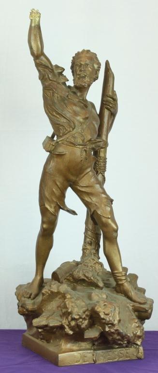 11: Detresse Sculpture