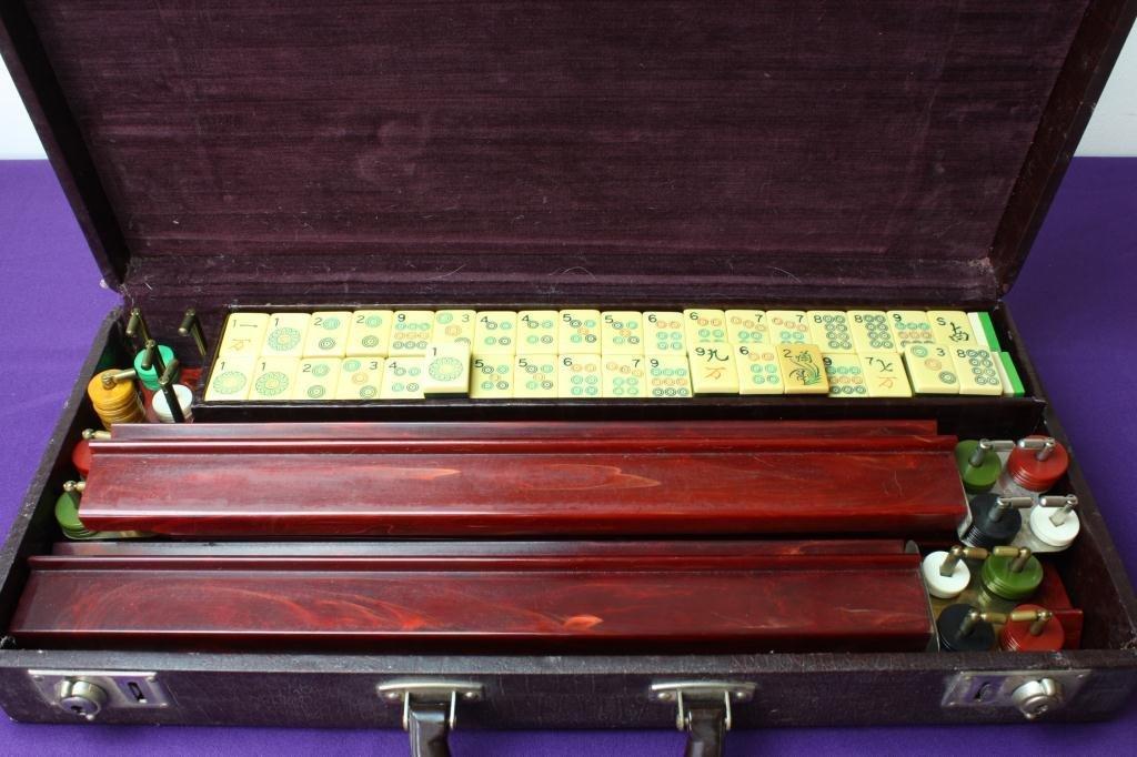 15: Vintage Soaring Sparrow Mahjong Set