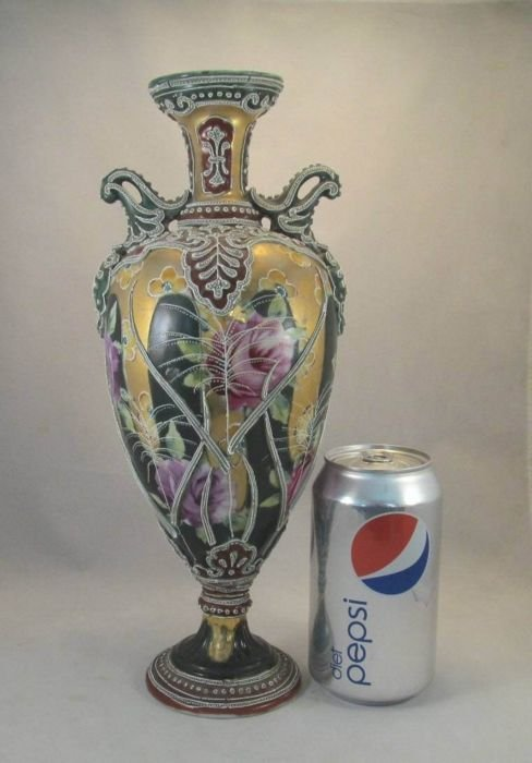 Tall Moriage Bolted Vase with Gold Inlay and Purple