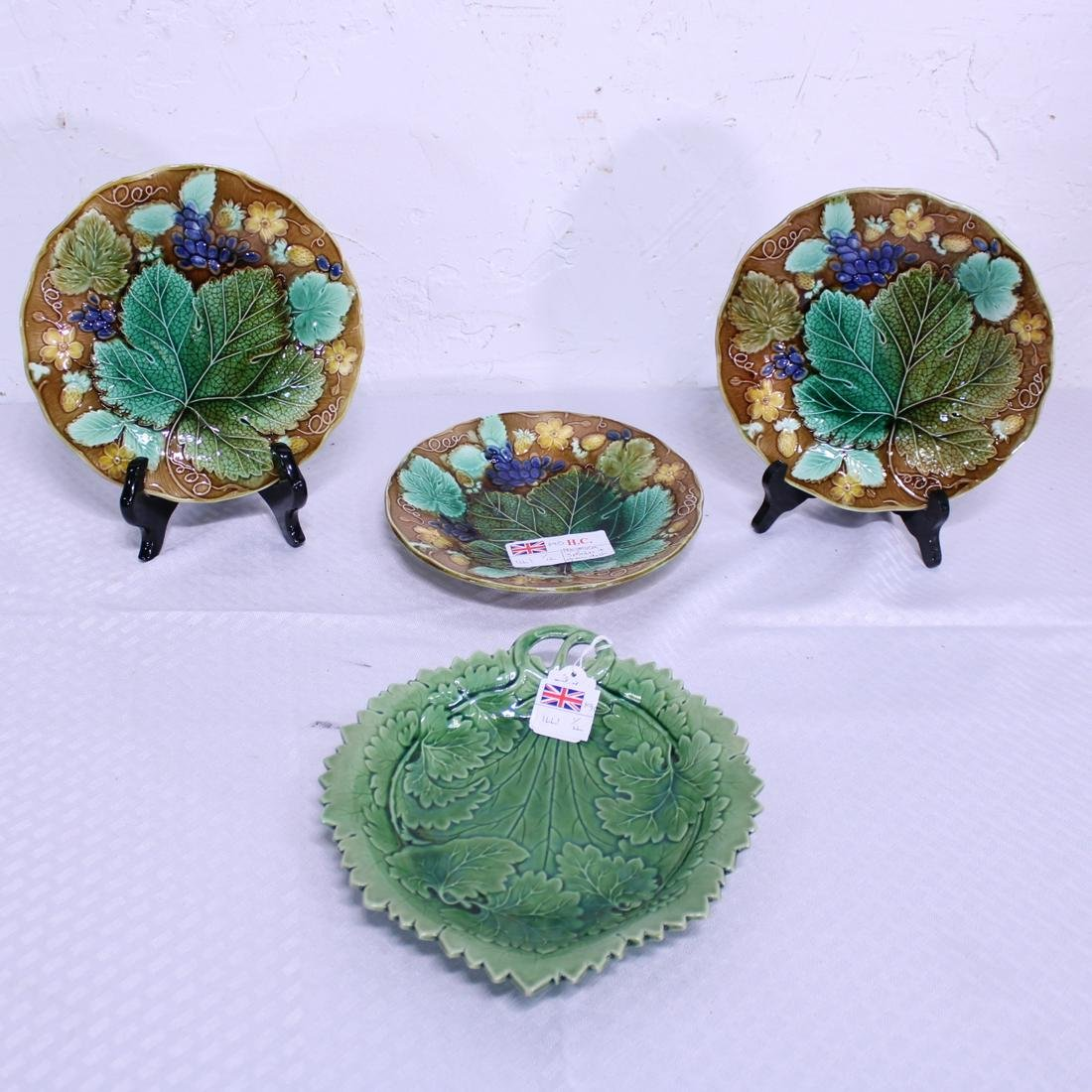 Collection of 4 pieces of Majolica