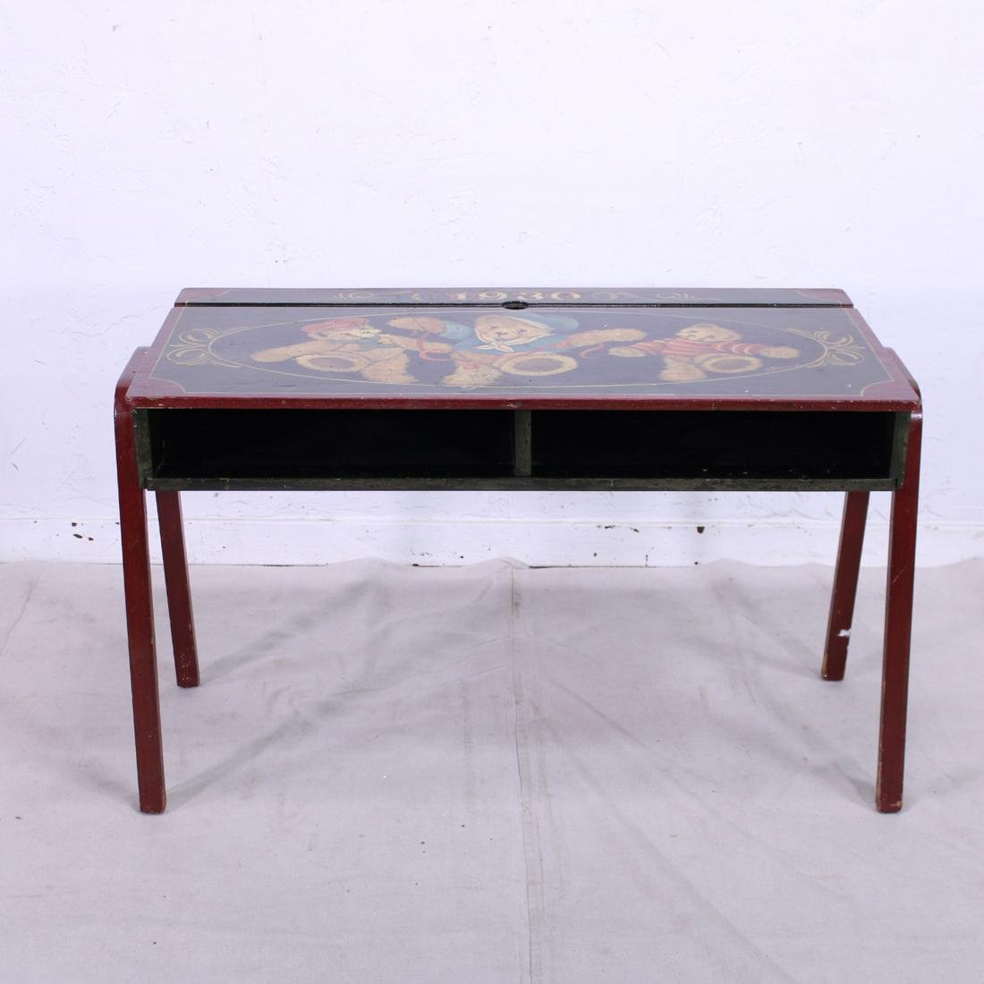 Childs Desk with Teddy Bears simliar to Alices