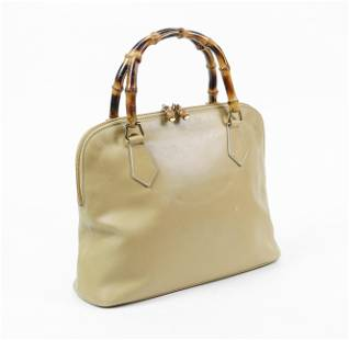 Gucci Bamboo Zip Handbag in Smooth Leather
