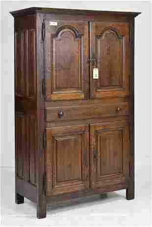 4 Door Oak Cupboard / Cabinet
