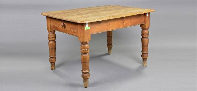 Victorian Pine Farm House Table With Turned Legs