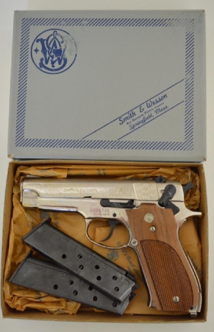 Smith & Wesson Model 39-2 9mm Semi-Auto Pistol MIB