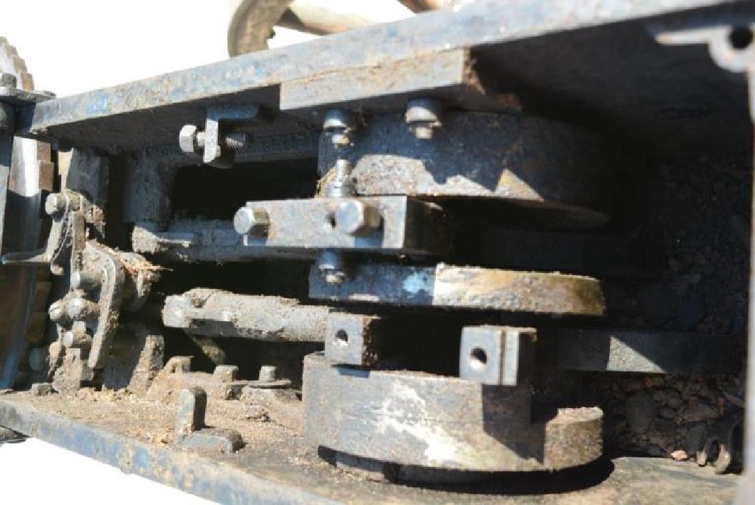 SCARCE NAPALESE BIRA HAND CRANK 577/450 FIELD GUN - 14
