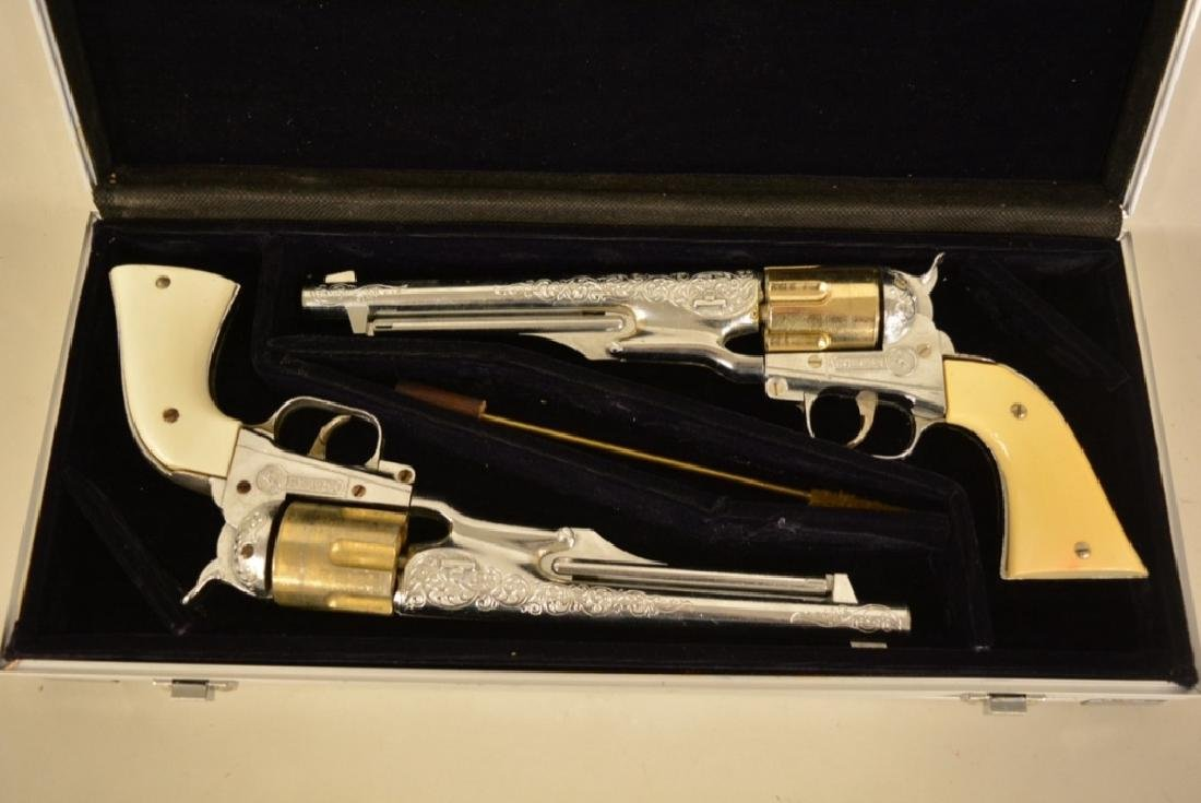 Vintage Hubley Colt 45 Cap Gun Set - 2