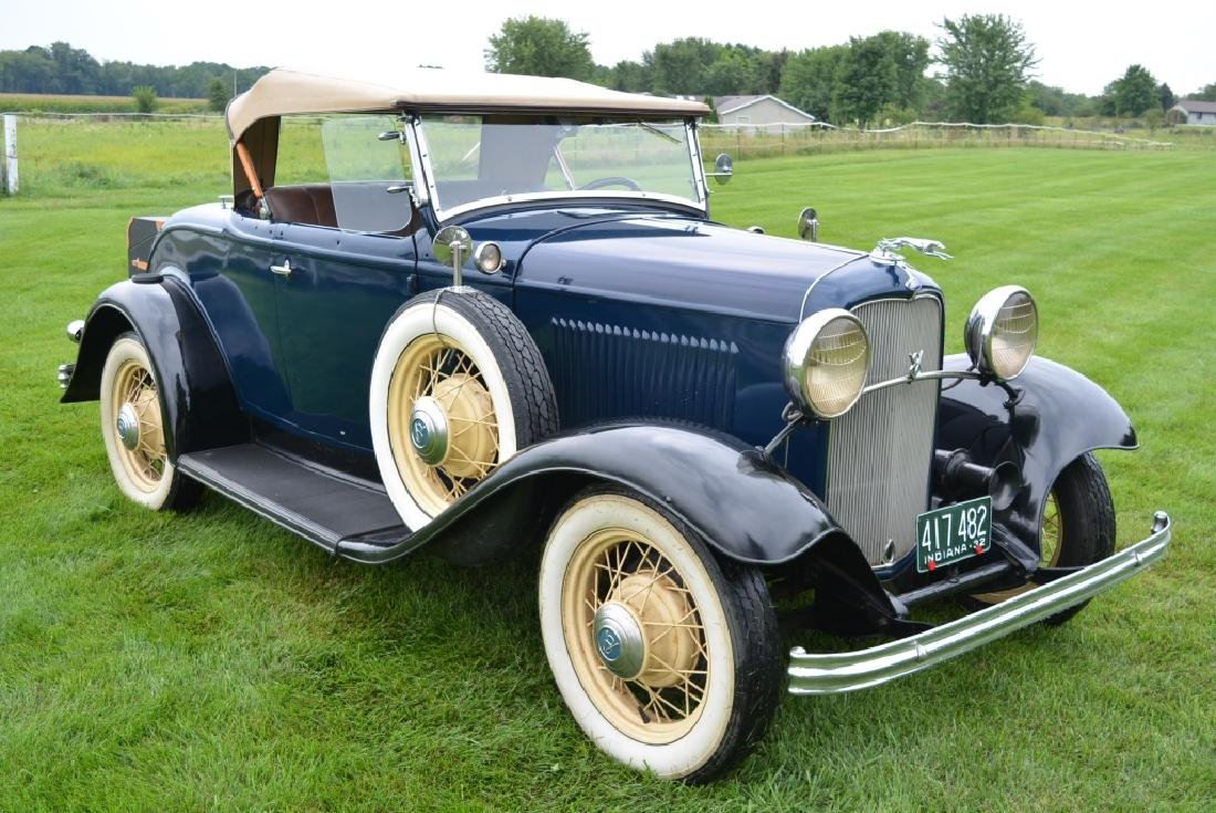 1932 Ford Deluxe V8 Roadster - 5