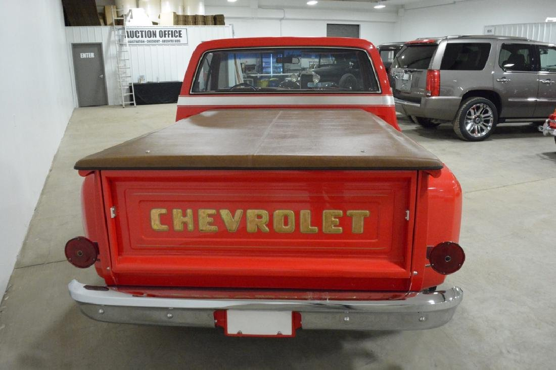 1974 Chevrolet C-10 Stepside Pick-up Truck - 8