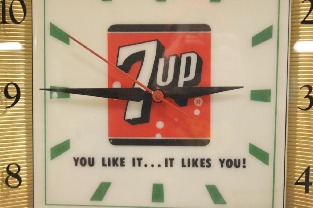 Vintage 7up Lighted Advertising Clock - 2
