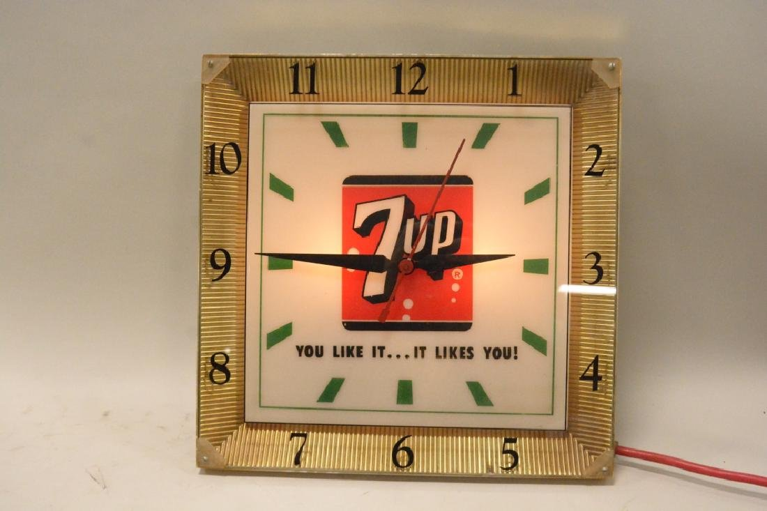 Vintage 7up Lighted Advertising Clock - 4