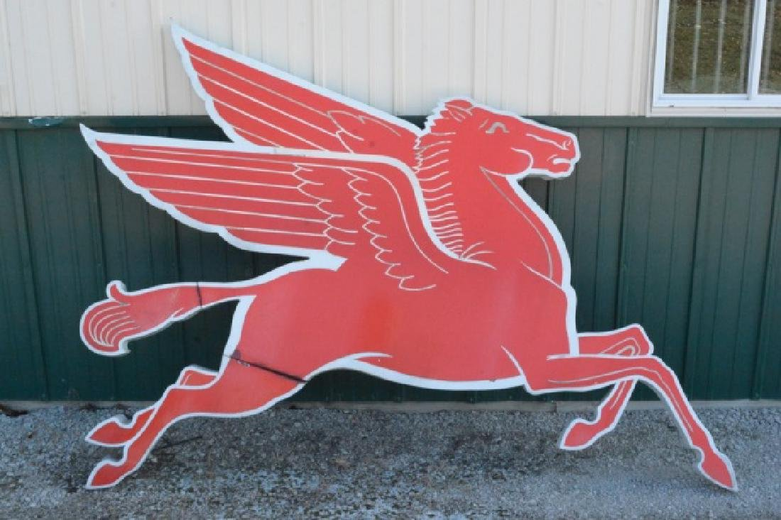 Mobil Pegasus Right Facing Cookie Cutter Sign