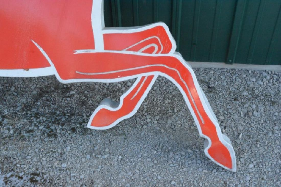 Mobil Pegasus Right Facing Cookie Cutter Sign - 5