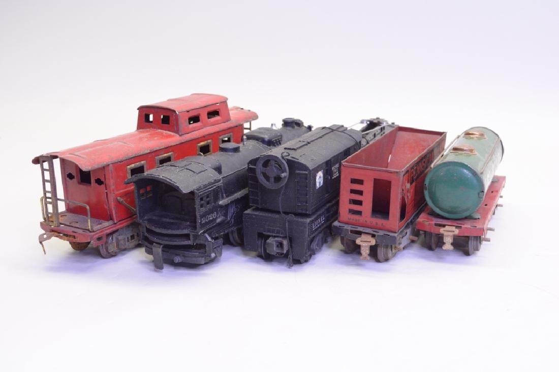 Mixed Lot Of Train Cars w/ Lionel 2026 Loco - 4