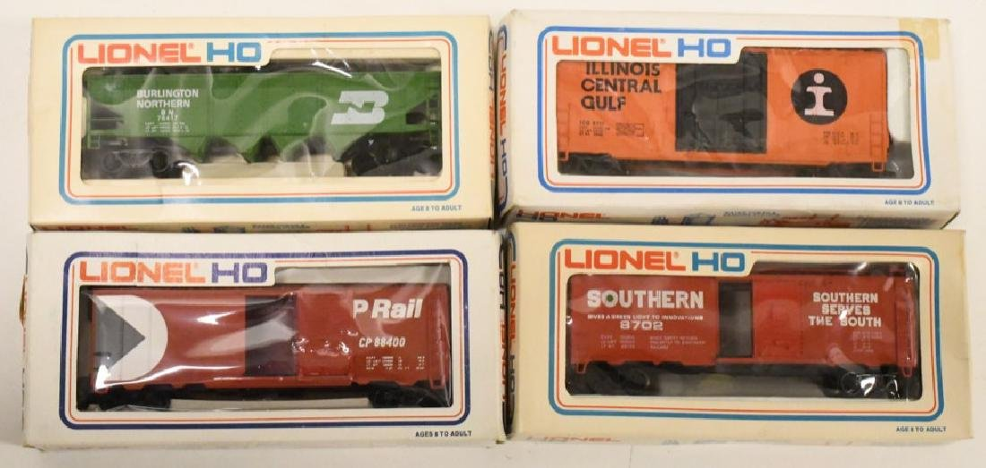 Lot Of Vintage Lionel Train Cars In Boxes