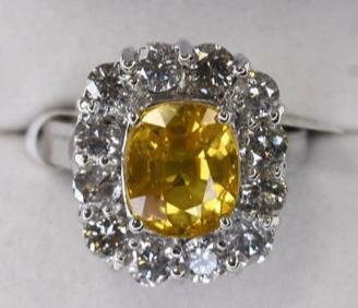 14k Gold 4.91 Ct Yellow Sapphire & Diamond Ring