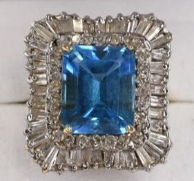 Ladies 14K Yellow Gold Diamond & Blue Topaz Ring